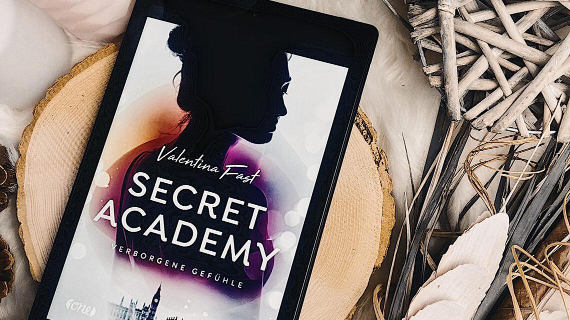 ||» Hörbuch-Rezension «|| Secret Academy 01: verborgene Gefühle [von Valentina Fast]